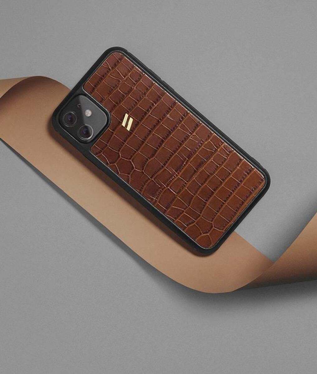 Iphone 11 case with crocodile engraving in camel tones