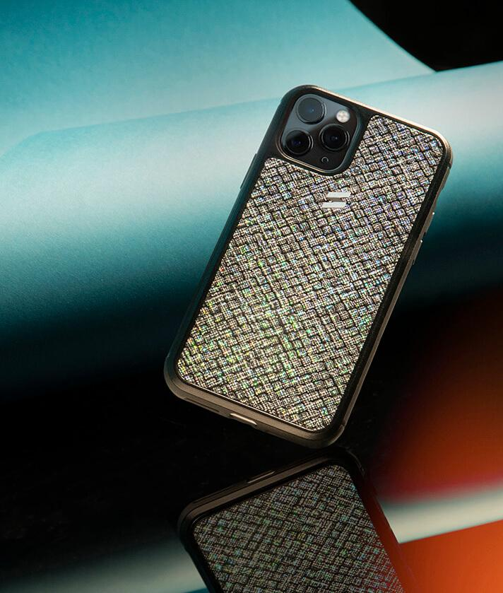 Houdini case with iradescent glitter and an exclusive texture