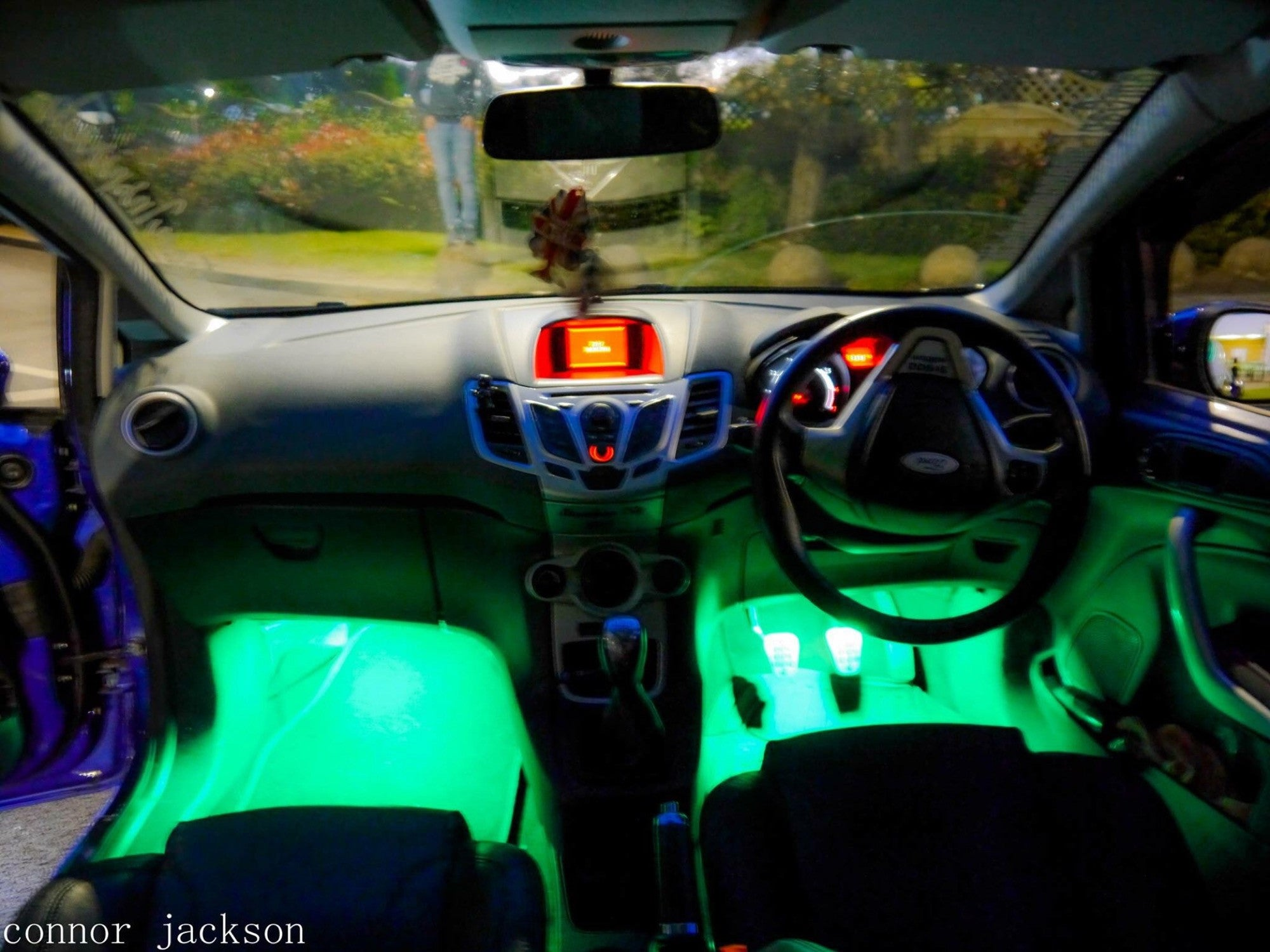 2012 ford focus footwell lights