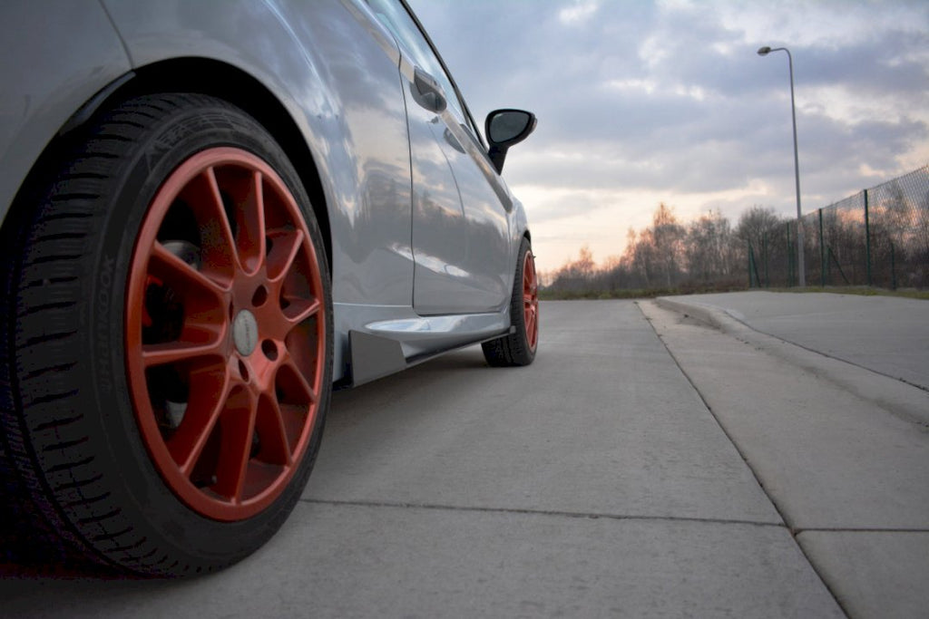 Racing Side Skirts Splitters Ford Fiesta MK7 ST Facdelift (2013-2017) - Car Enhancements UK