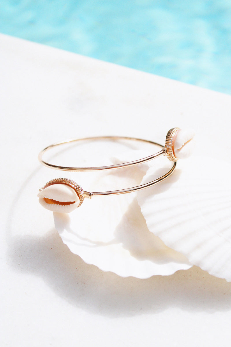 THE GOLD & SHELL ARMCUFF - You.