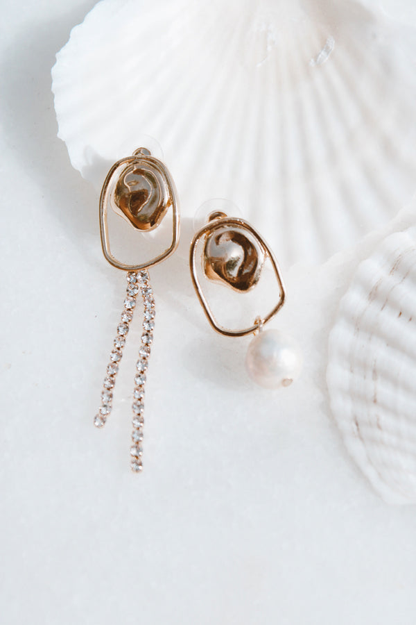 THE MISMATCH PEARL EARRINGS - You.