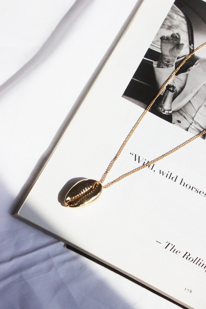 THE FREE SPIRIT GOLD SHELL PENDANT NECKLACE - You.