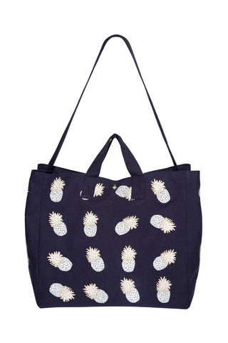 Elizabeth Scarlett ananas beach bag in indigo navy blue with pineapples from sand and salt