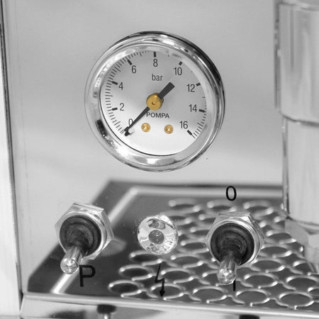 Bezzera Unica Espresso Machine – semi-automatic, PID - pressure gauge - at Total Espresso