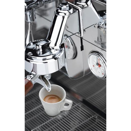 Elektra Sixties Series Deliziosa T1 Automatic Espresso Machine - espresso extraction - at Total Espresso