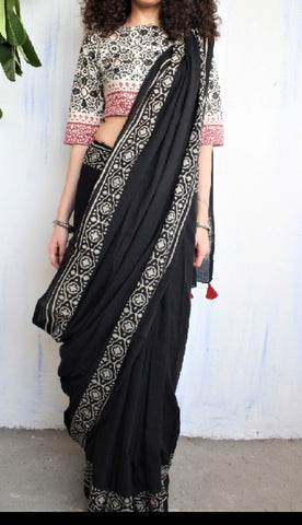 LPIBR01-ivory black and red block print malmal  cotton saree with out pompom