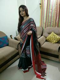 HBFMKCSBR- Black and red fish motif handwoven khadi cotton saree with blouse