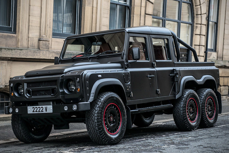 LAND ROVER DEFENDER FLYING HUNTSMAN 6×6 PICKUP