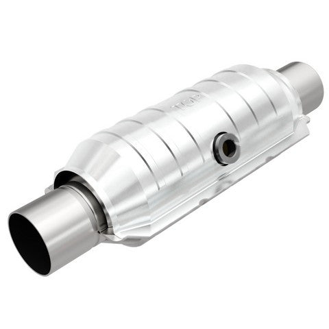 Universal Catalytic Converter With Center O2 Sensor Port