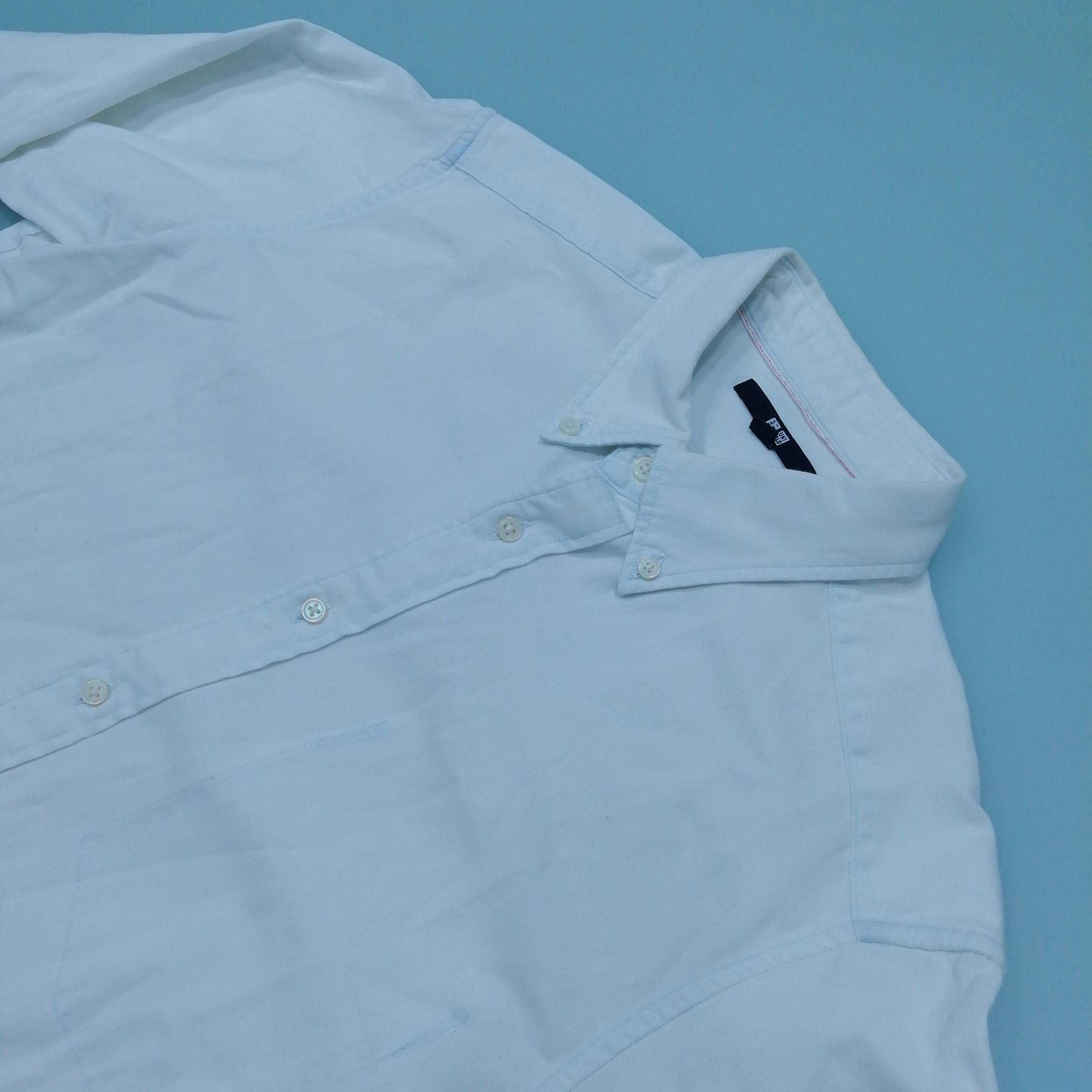 Uniqlo Men's Long Sleeve Shirt S Colour: White