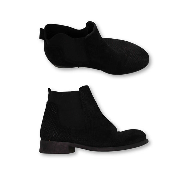 Pieces Women's  Boots Size EU 39 (UK 6)    Colour:Black