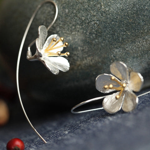 Silver Flower Earrings GIVEAWAY