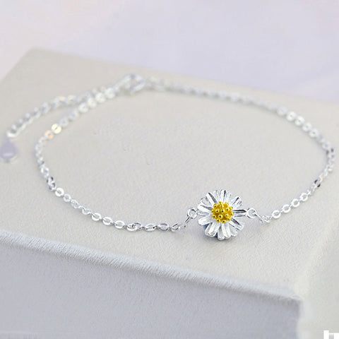 Silver Daisy Anklet GIVEAWAY