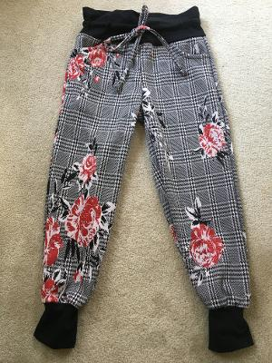 Track pocket pant knit red rose plaid