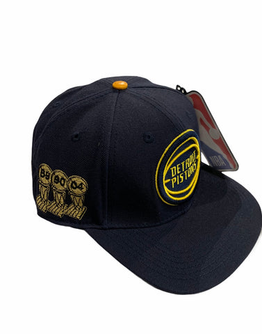 Image of DETROIT PISTONS snapback UofM color way! THREE-THRIRTEEN x PRO STANDARD