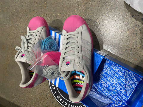 Image of ADIDAS SUPERSTAR GREY/PINK