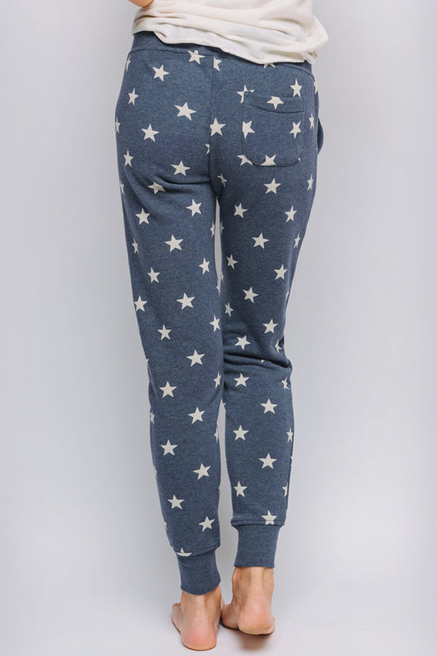 model who is wearing Stargazer pants