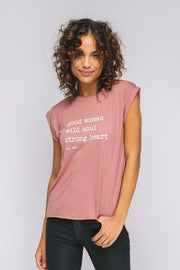 model wearing rose roll t-shirt