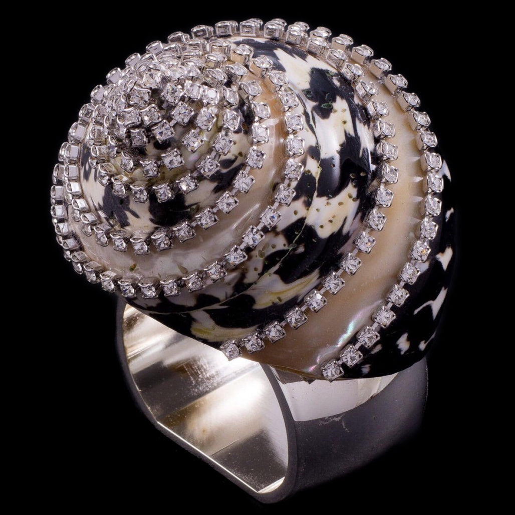 Napkin Rings Featuring Swarovski © Crystals and Banded Black Pica Seashell | Set of 4