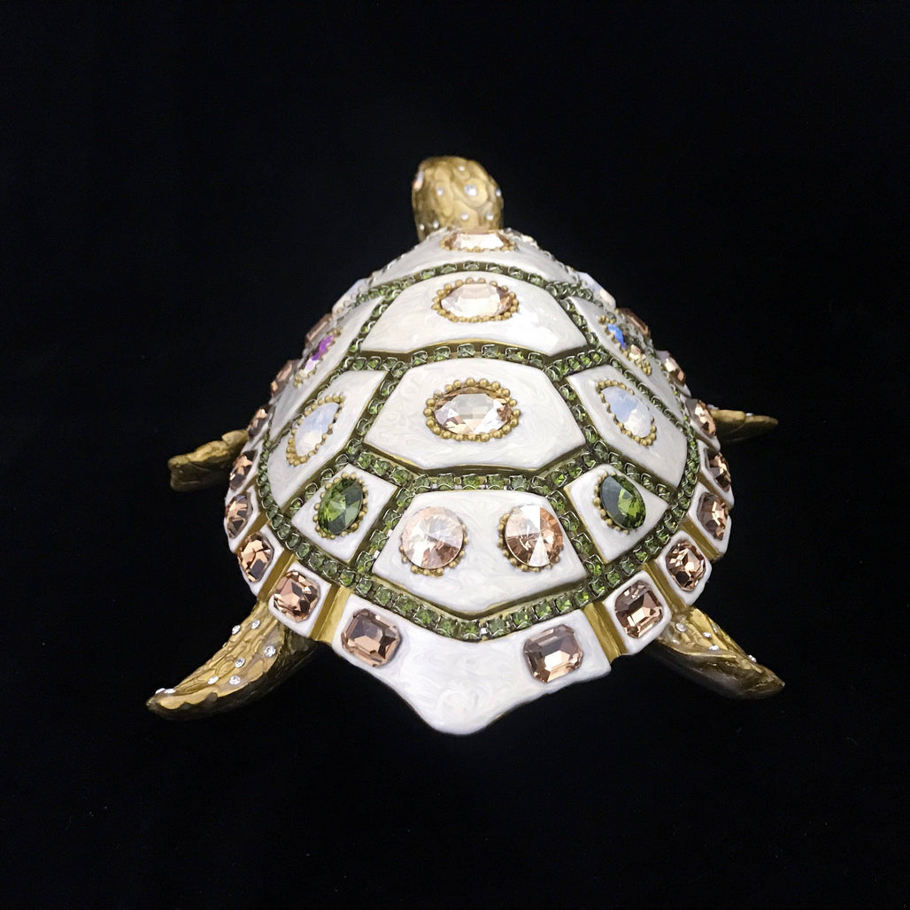 Mother of Pearl Sea Turtle Featuring Olivine Mix Swarovski © Crystals