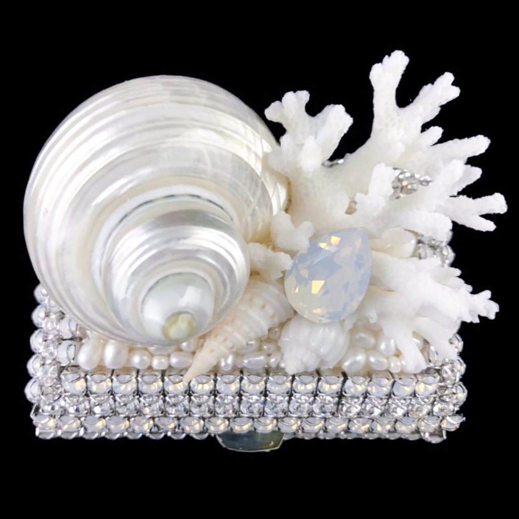Classic White Opal Shell Cluster Ring Box Featuring Swarovski © Crystal