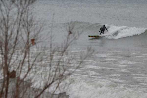 Andrew Dawson styling in the Toronto surf. Photo by Geoff Ortiz.