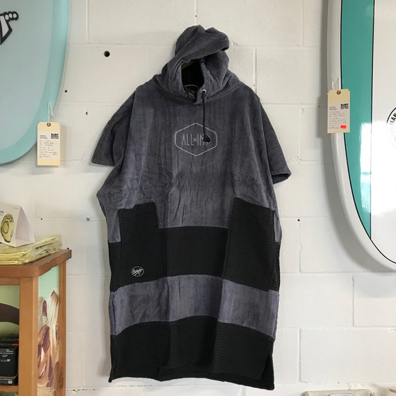 Changing towel - ALL IN PONCHO - PVBUMP - V PONCHO BUMPY: CHARCOAL/BLK WAFFLE - Surf Ontario