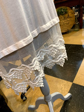 Lace Extender (Shorter -- Off-White & Black)