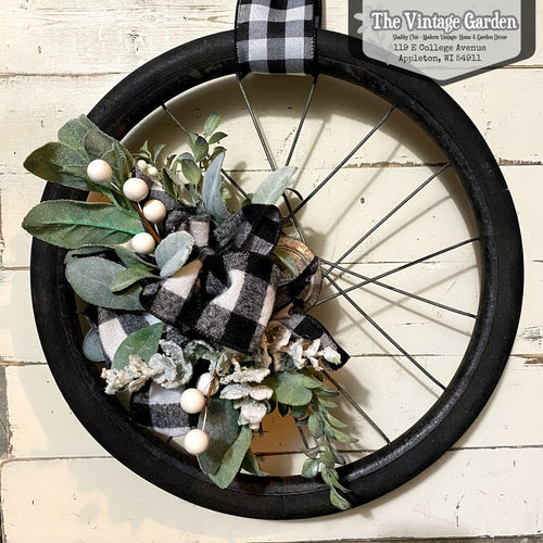 Vintage Holiday Wheel Wall Art | 16.5