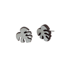 laser cut post earrings >> hypoallergenic >> silver monstera leaf