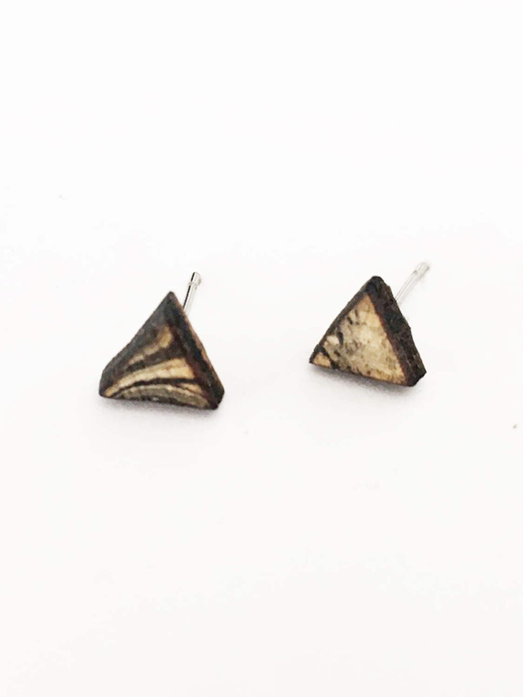 laser cut post earrings >> hypoallergenic >> marbled triangle