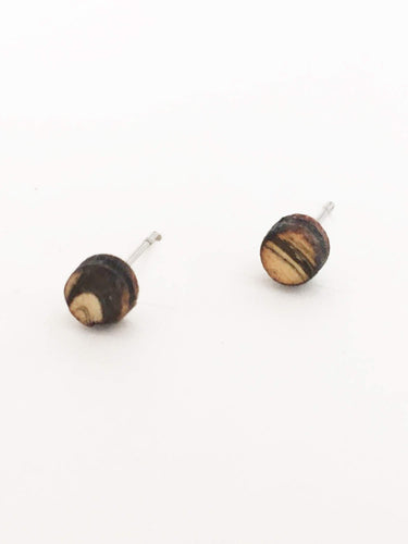 laser cut post earrings >> hypoallergenic >> marbled circle
