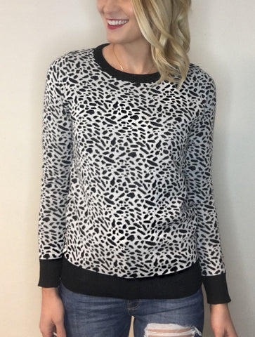 Lightweight Leopard Print Sweater - Black