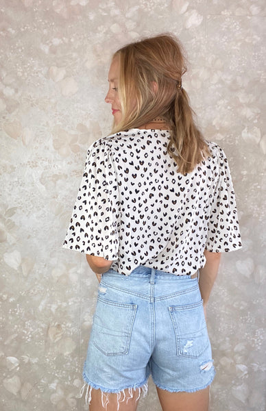 Abstract Print Flutter Sleeve Blouse
