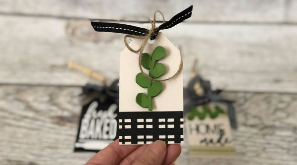 farmhouse style paper tag with paper leaves