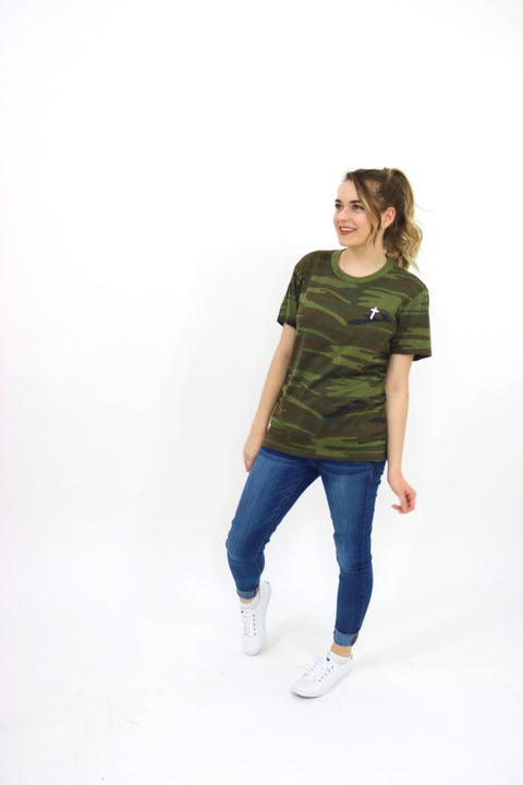 Unisex camo Cross shirt
