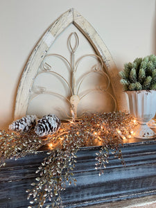 White Wood Metal Arch Decor 18""