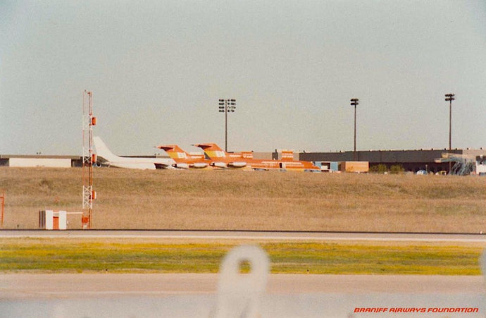 BRANIFF QUICK CHANGE DFW