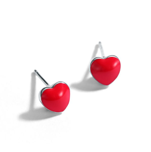 Queen of Hearts Stud Earrings (T144-SS)