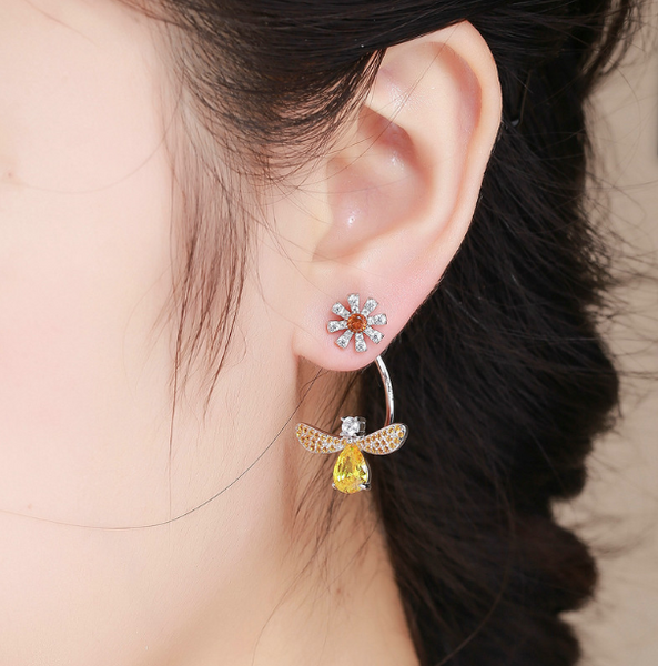 White Daisy and Yellow CZ Earrings (sbE370)