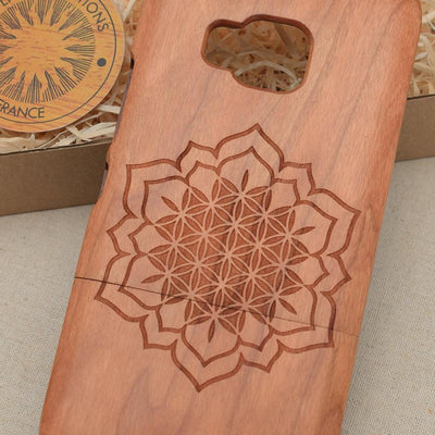 Sacred Geometric CHAKRA FLOWER OF LIFE Wood Phone Case - litha-creations-france