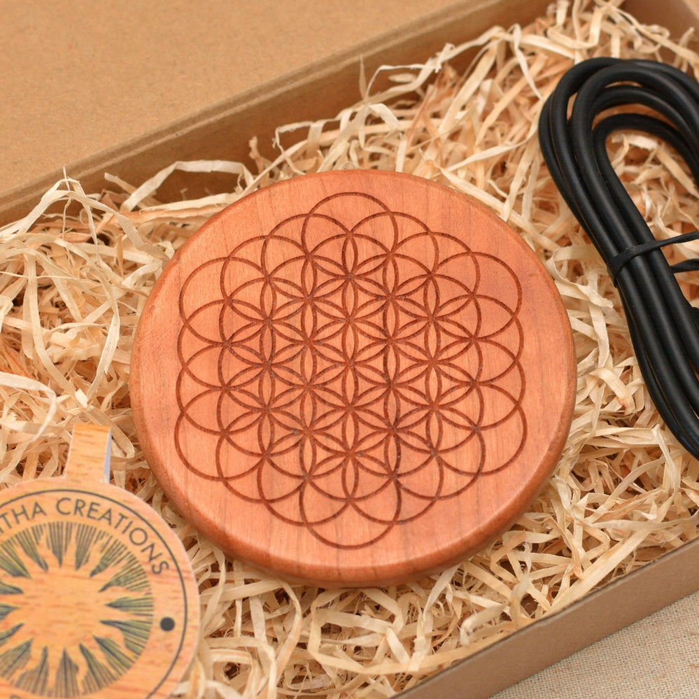 OPEN FLOWER OF LIFE  Wood Wireless Phone Charger 10W QI Charging Pad Custom Engraved - litha-creations-france
