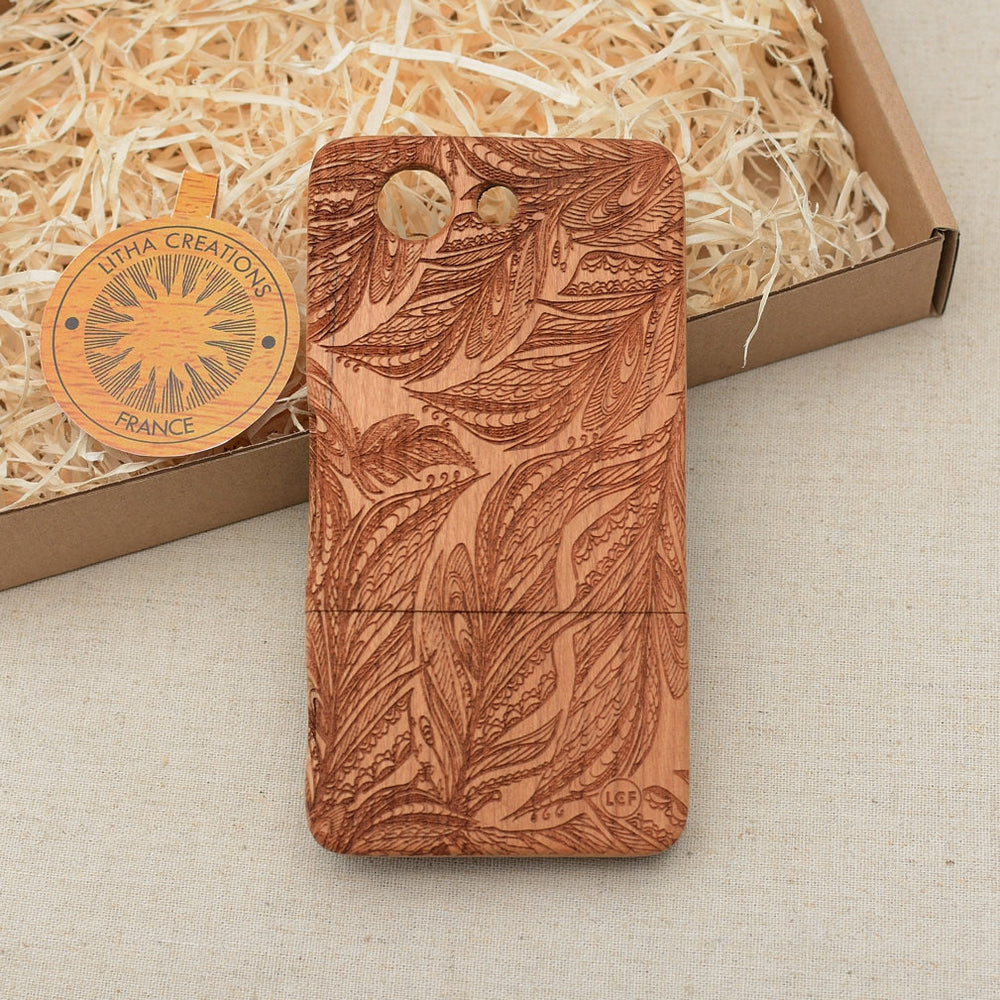 Psychedelic Custom Design FEATHERY Natural Wood Phone Case - litha-creations-france