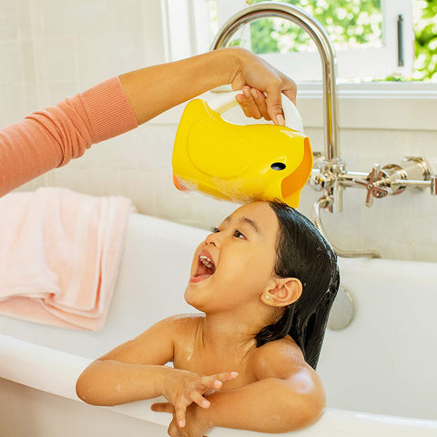 Munchkin Duckling Bath Rinser, Yellow Duckling Bath Rinser with Contouring Rim