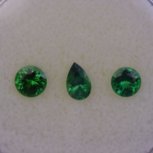 0.77ctw Assorted Green Tsavorite
