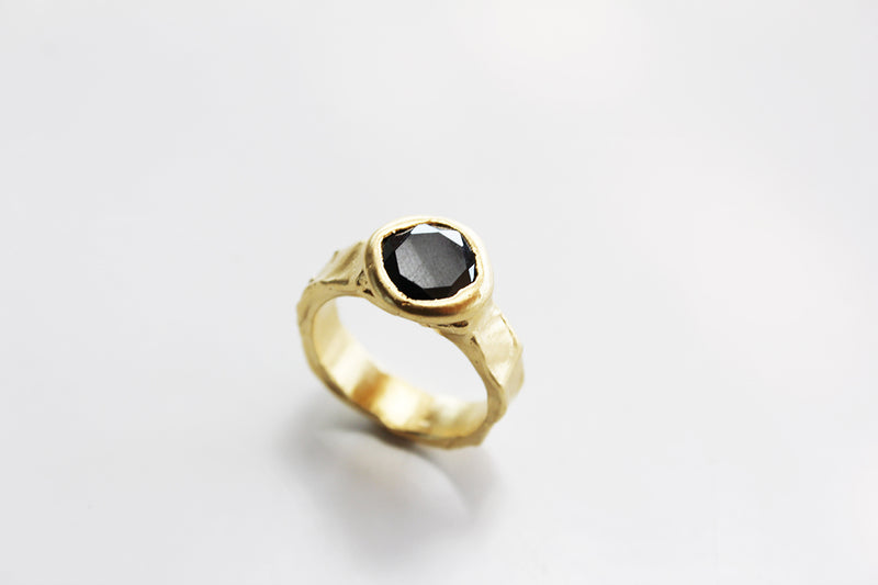 Rugged Ring// L