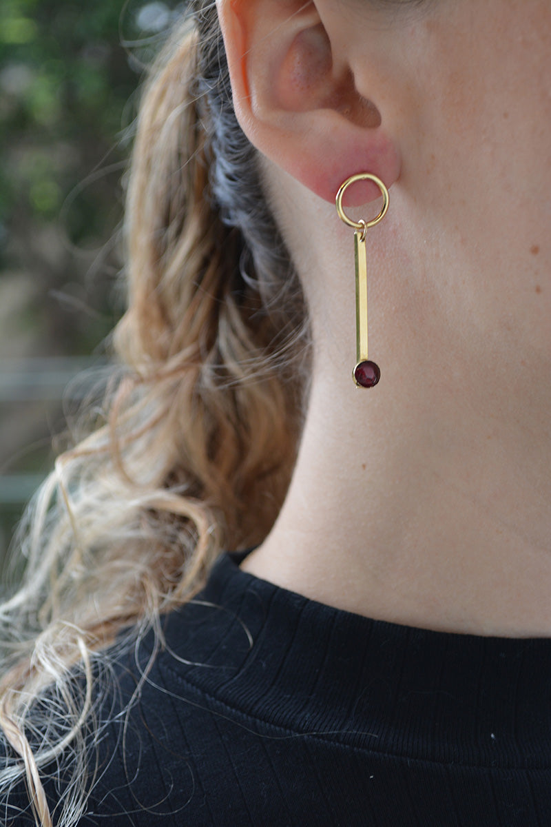 Dangling Earrings W Garnet