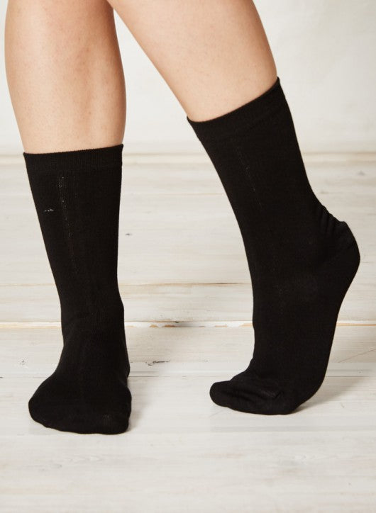 Set of 2 Solid Jackie Socks