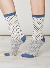 White and blue print socks in soft bamboo